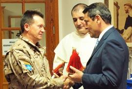 Canarias despide a las unidades que se desplegarán en Afganistán