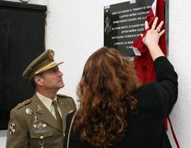 La viuda del fallecido descubrió la placa conmemorativa