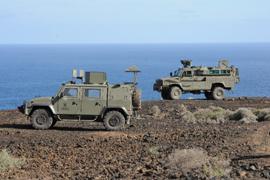 Un MLV Lince junto a un RG-31 en Canarias
