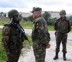 El Jefe de Estado Mayor del Ejército visita el Regimiento de Artillería Antiaérea nº 74 en San Roque
