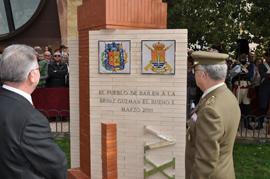 El jefe de la FUTER y el alcalde inauguraron el monolito