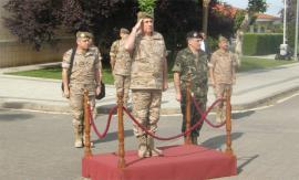 El teniente general Medina tras su llegada a la Base