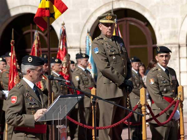 El general Alcañiz en su discurso en la toma de posesión
