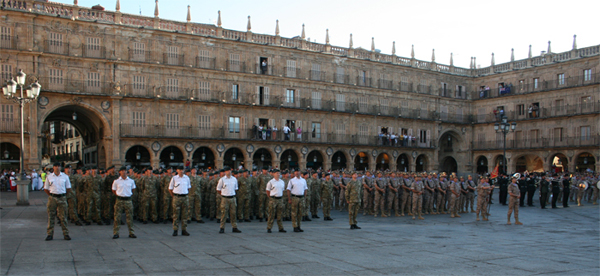 Formación en la Plaza Mayor de Salamanca