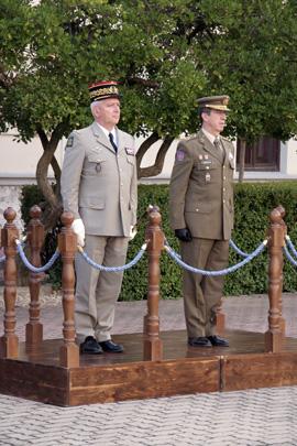 Los Jefes de Estado Mayor del Ejército Español y Francés visitan la  Academia de Caballería