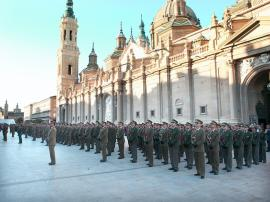 Formación ante la Basílica de Zaragoza