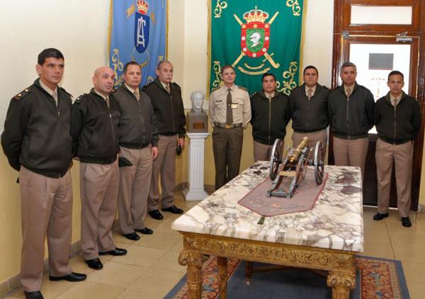 La delegación argentina en las dependencias del MADOC
