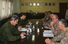 """Reunión en la base """"General Ricardos"""""""
