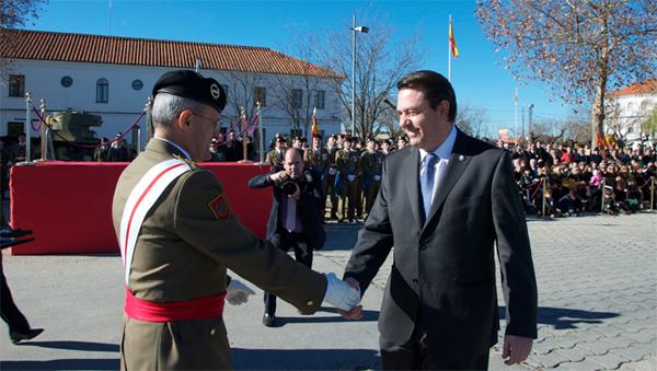 http://www.ejercito.mde.es/Galerias/Imagenes/EjercitoTierra/Noticias/2012/12/2040.jpg