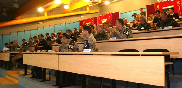 El seminario se desarrolla en la Academia de Logística
