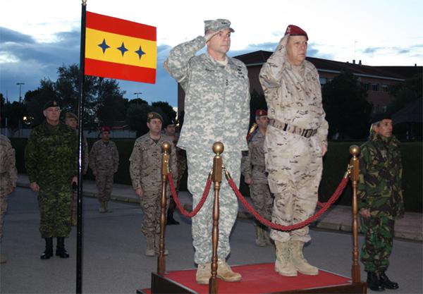 Los dos tenientes generales en el HQ NRDC-SP