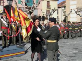 La presidenta de las Cortes de CyL entrega el Estandarte