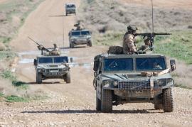 Convoy patrullando por zona hostil