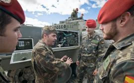 Prácticas con el Leopardo 2E en El Goloso