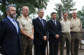 Autoridades militares y civiles en los actos