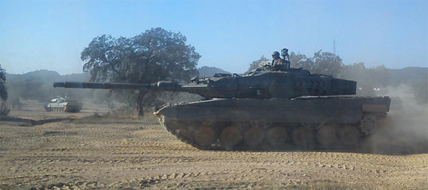 En las maniobras participaron los Leopardo 2E