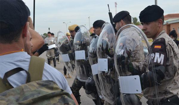 Durante el día 17, el jefe del CGTAD, teniente general Rafael Comas, realizó una visita al ejercicio para comprobar el grado de instrucción y adiestramiento alcanzado por la Policía Militar.