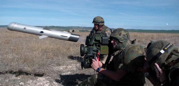 Lanzamiento de uno de los misiles