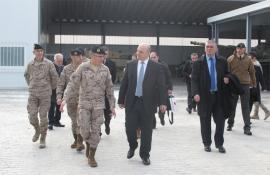 """El general con el ministro en la base """"El Goloso"""""""