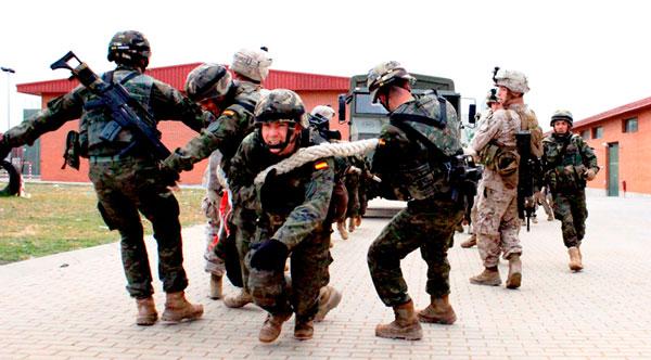 Militares de ambos países en la prueba de crossfit