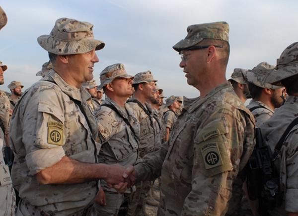 Acto de entrega de los 'parches' en Irak
