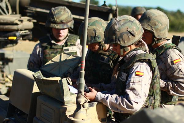 Los sargentos alumnos realizan prácticas