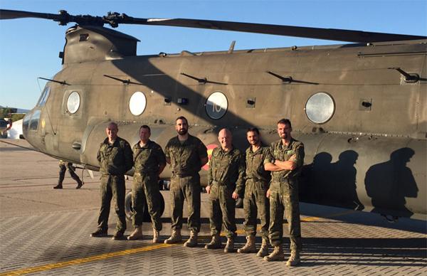 La tripulación del vuelo tras finalizar la misión