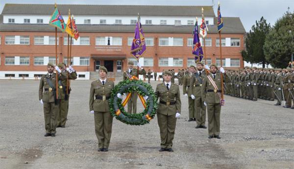 Acto militar en la celebración del L aniversario