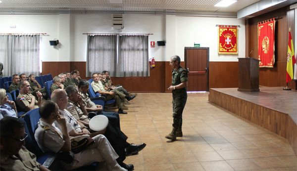Military attachés from 19 countries visit the 11th Brigade 'Extremadura'