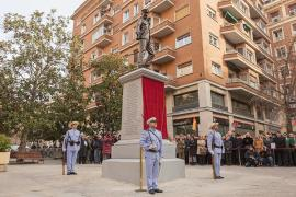 The Army Chief of Staff and the Mayor of Madrid unveil a statue dedicated to the Heroes of Baler