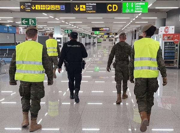 Patrulla en el aeropuerto de Palma de Mallorca