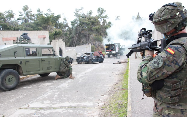The CBRN Defence Regiment 'Valencia' nº 1 is trained in 'Los Alijares'