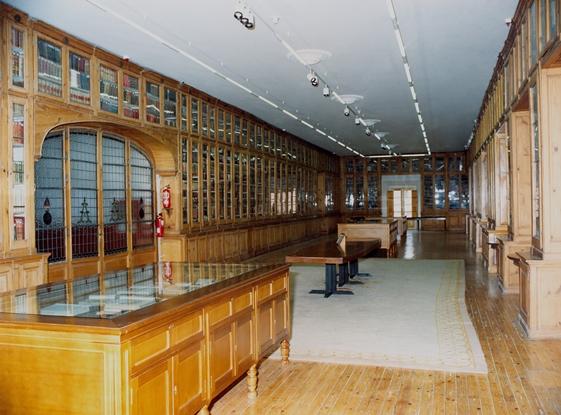 110.- Academia de Artilleria, Biblioteca. FOT. 4-D-10