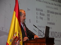 CONFERENCIA VIRGIL DE QUIÑONES Y PROYECCIÓN DOCUMENTAL