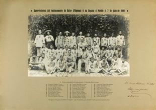 Fotografía con la identificación de los héroes